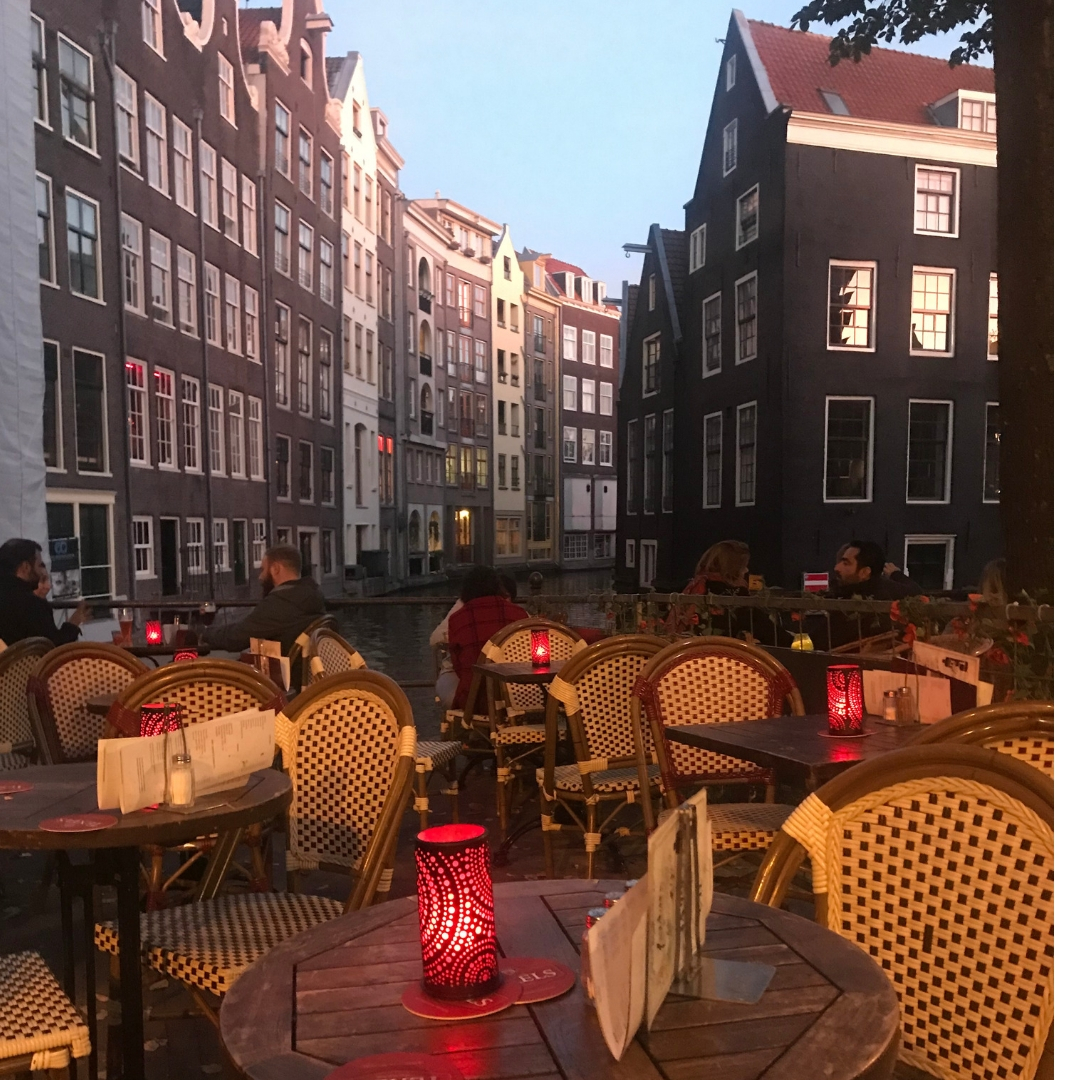 72-hours-in-amsterdam-coffee-shop