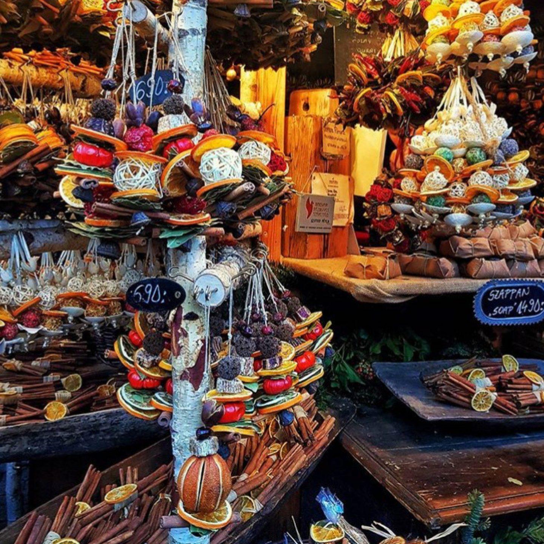 christmas-market-festive