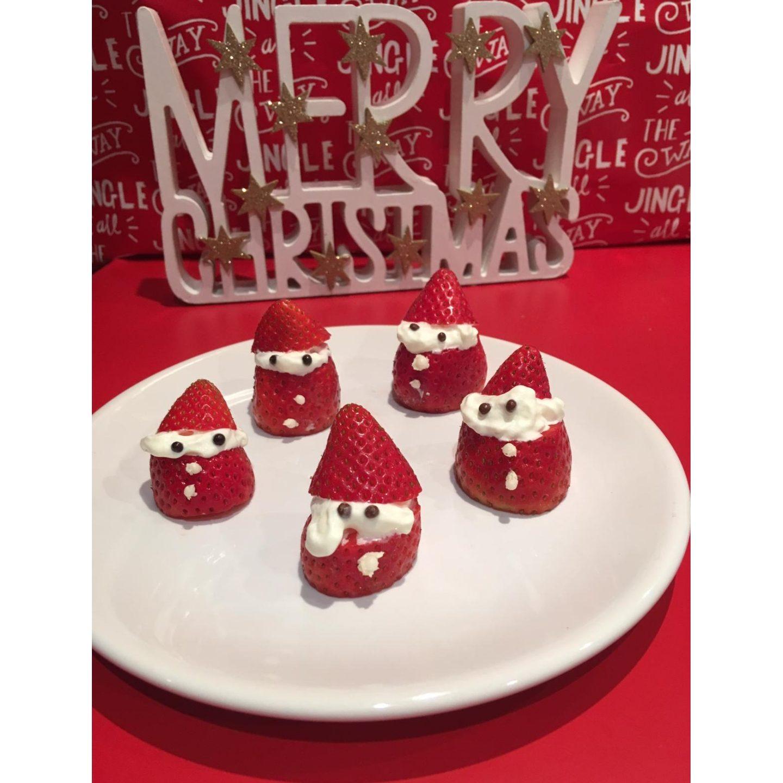 festive-films-strawberry-santas