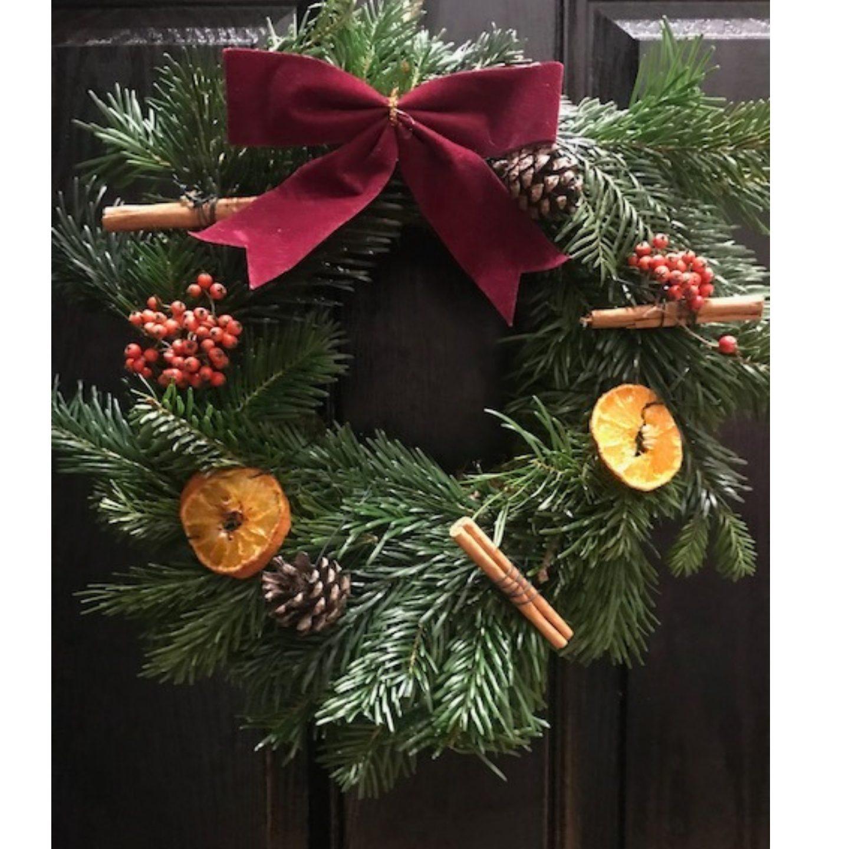 festive-craft-idea-homemade-christmas-wreath